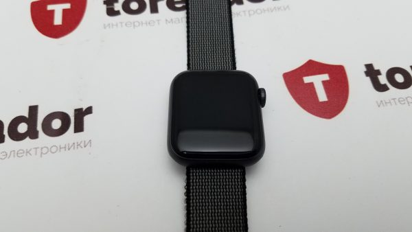 Apple Watch Series 6 40mm Space Gray Aluminium Case with Sport Band (б/у)